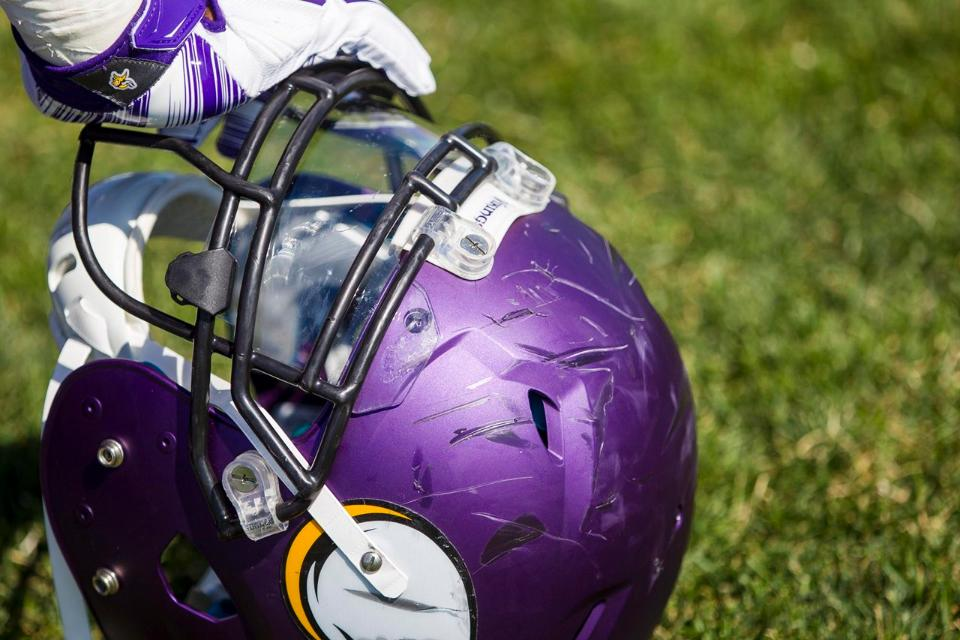 Vikings Trade For Chargers Guard Jeremiah Sirles